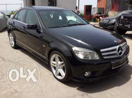 2010 C200 K Avantgarde AMG kit Fully loaded Excellent condition No acc