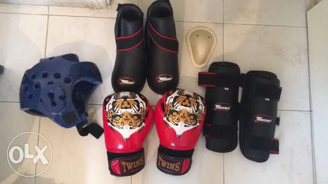Kick Boxing full original kit perfect quality + free bag