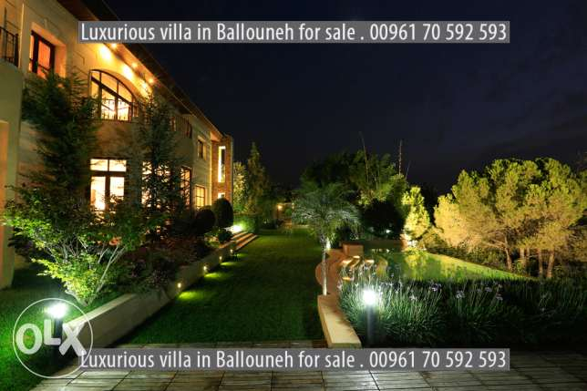 2000 m2 Luxurious villa for sale in Ballouneh (open view)