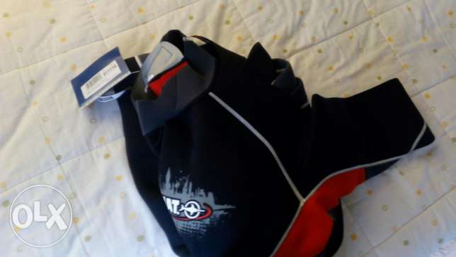Diving and swimming suit الشوف -  1