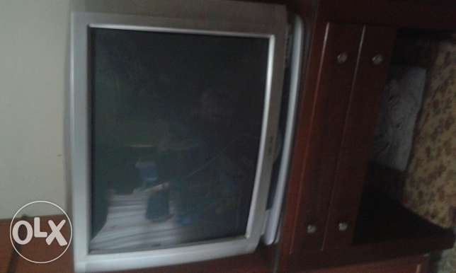 tv daewoo for sale ma3 l remote controle taba3ou