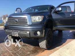 2008 tundra modified 5.7 litre 4x4 very clean only 21,500$