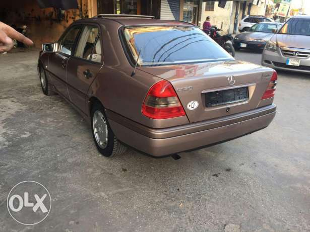 C180 super clean model 96 very good condition ma baha chi brown and br النبطية -  2