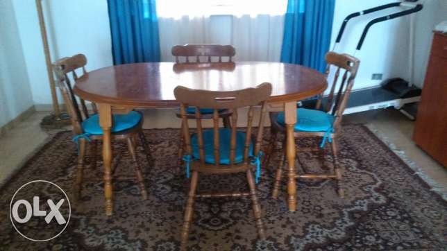 Table wz 4 chairs