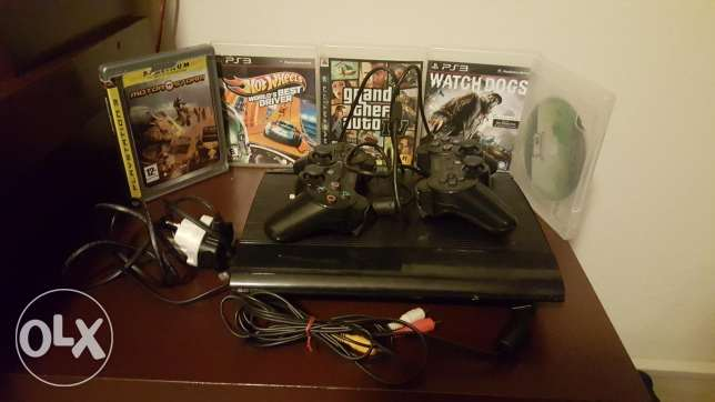ps3 with 5 original cds
