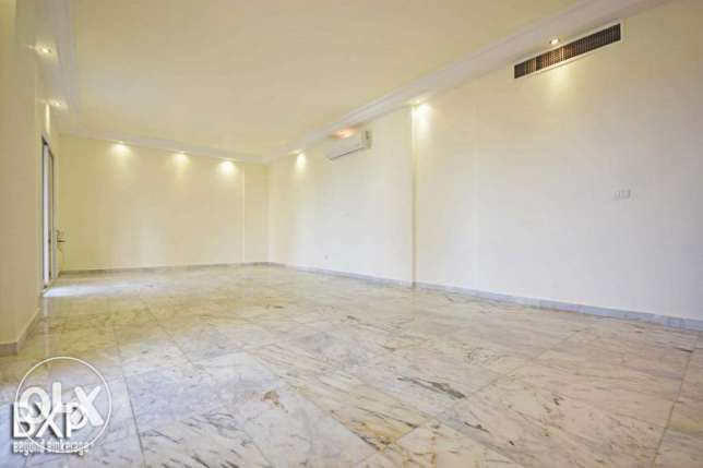 170 SQM Apartment for Rent in Beirut, Hamra AP5293 راس  بيروت -  3