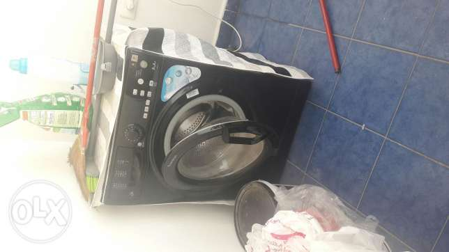 Washing machine compomatic like new in black
