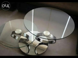 Glass table like new for sale