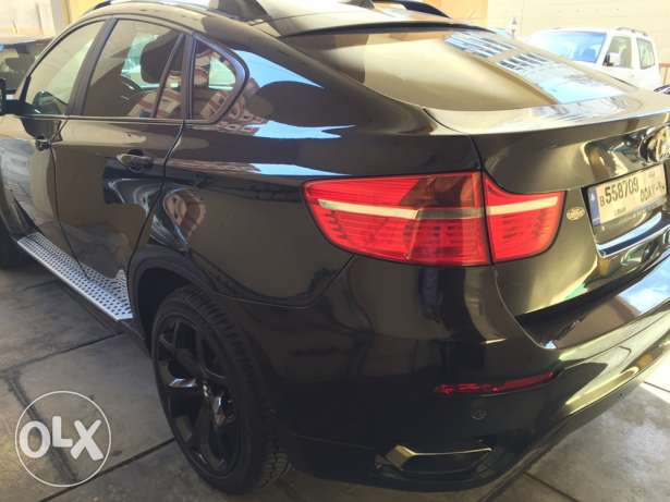 X6 BMW 5.0 very clean car