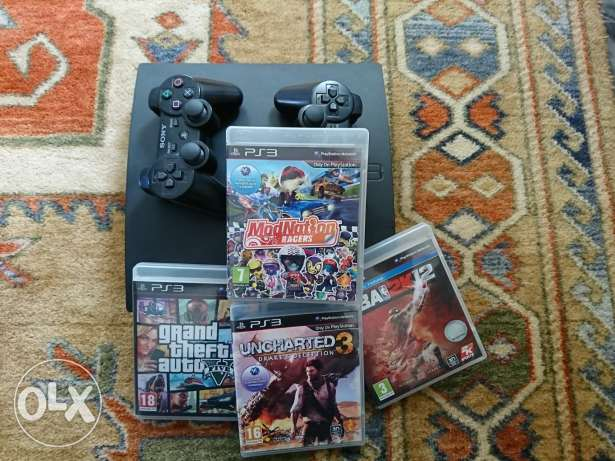Ps3 120gb with accessories and box