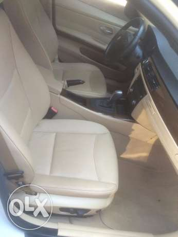 BMW 328i mod 2010-Premium Package-White on Beige still Ajnabieh وسط المدينة -  6
