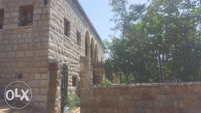 Old traditional house for sale in Baabdat