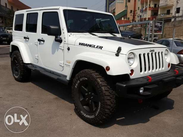 2013 Jeep Wrangler Unlimited Sahara in perfect condition !