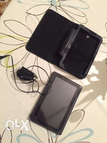 android . and chargeur and cover only 30$ منصورية -  1