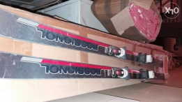 Skis for sale . fi 6 jwaz fi kbir w z8ir w wasat men 2olmanya