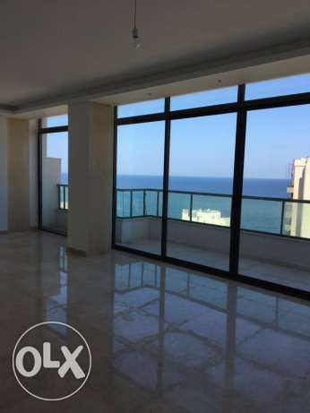 Ein Mrayseh: 170m apartment for rent