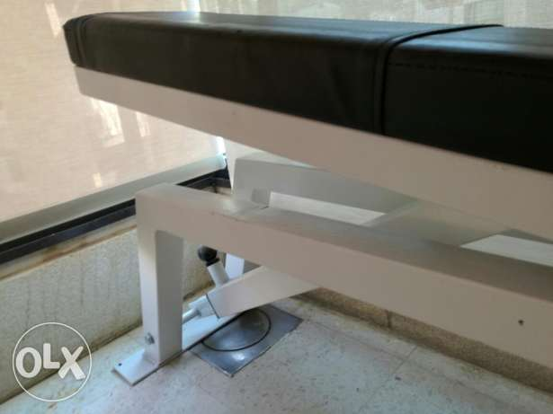 Sport bench, barely used, like new بيت الشعار -  1