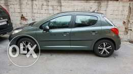 Peugeot very good condition with new tires