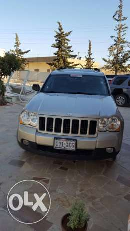 new grand cherokee mod 2009 in a very good condition
