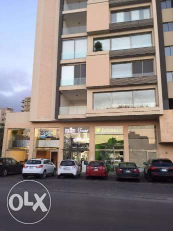 3 story shop for rent in Zalka