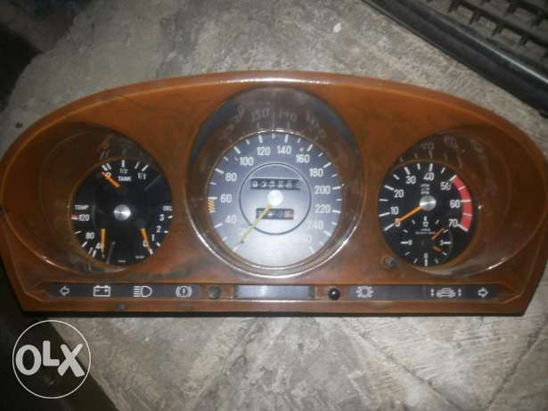 Tablo mercedes 280 3areda