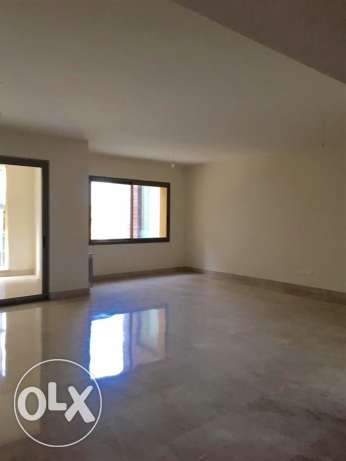 Clemenceu: 235m apartment for rent