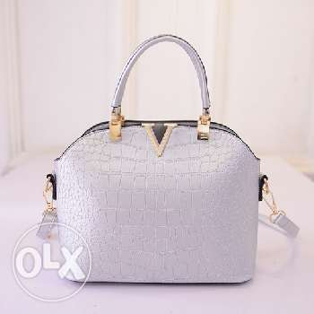 Louis Vuitton handbag (4 colors) (Free delivery)