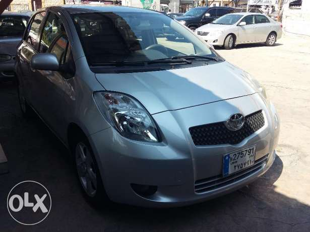 toyota yaris 2007 silver, full option, بوشرية -  1