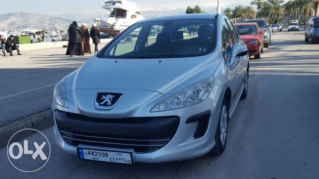 Peugeot 308 model 2009 - clean carfax - very economic and dynamic car