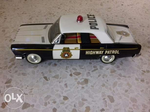 Toy police car