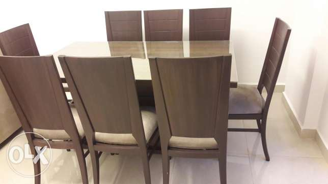 Never used dining table with 8 chairs مصطبة -  1
