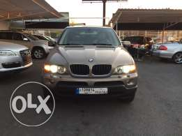 a very clean BMW X5 mod 2006 mint condition