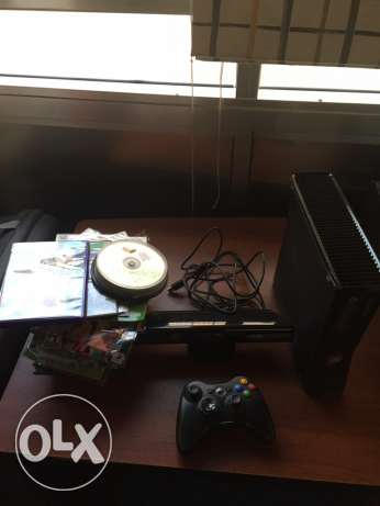 xbox 360 slim mod + Kinect + 50 game very good condition