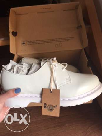 BRAND NEW Original All White Dr. Martens 43EU