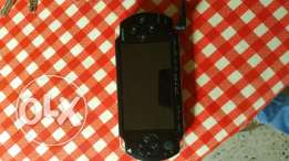 Psp sony very clean comes with charge and case