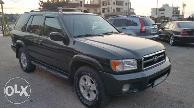 Nissan Pathfinder model 99 look 2000