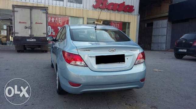 hyundai accent 2012 very clean 4 sale