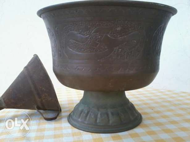 Old copper vase, decorated with arabic words, 20cm, 15$ المتن -  1