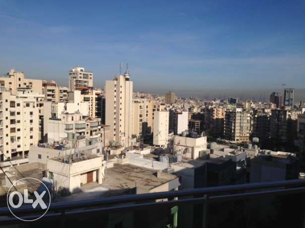 141 m salon oudetsofra matbakh 3 nom 2 hamam 3 balcon parking etc...