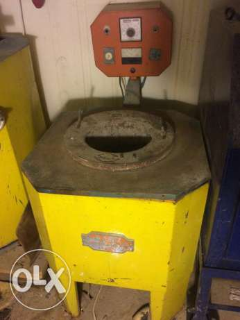 Auto metal melting oven