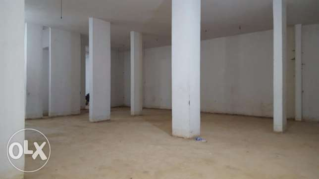Ag/402/16 Warehouse for Sale in Adonis Size: 850m2