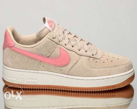 Women's brand new Nike Air Force. Size: 8.5 US / 39.5 Eur shoes