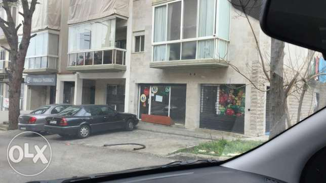 2 diferent shops for rent in ballouneh