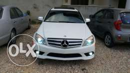 Mercedes-Benz C 300 very clean 16300$