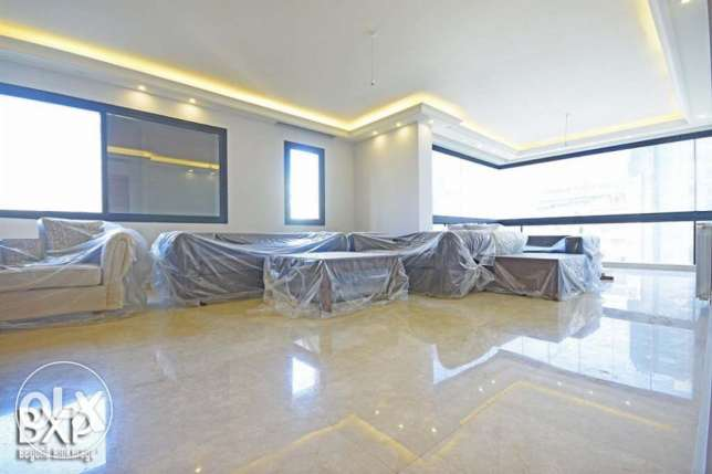178 SQM Office for Rent in Beirut, Hamra OF5242 راس  بيروت -  2