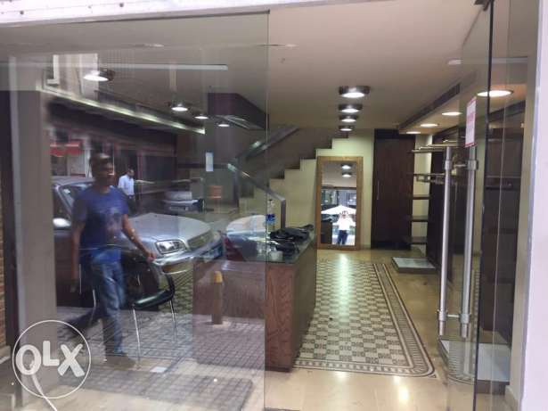Shop for Rent in Hamra facing AUB راس  بيروت -  1