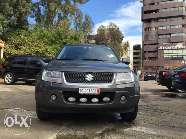 2011 imported form europe low mileage with leather and sunroof سن الفيل -  1
