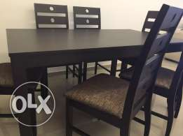 Dining table - 6 seats