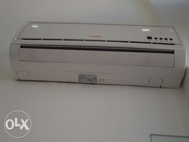 Air conditioner 12 000 btu very good condition used for just 3months
