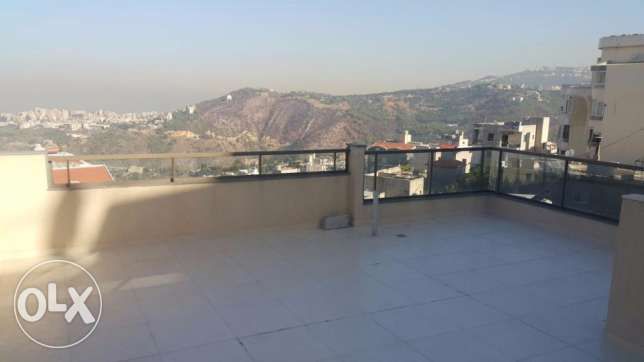 Appartment in Mazraat yashouh for rent بيت الشعار -  1